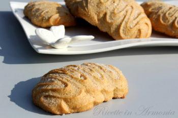 Biscotti morbidi all'olio con farro