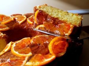 Ciambella all'arancia con marmellata di casa