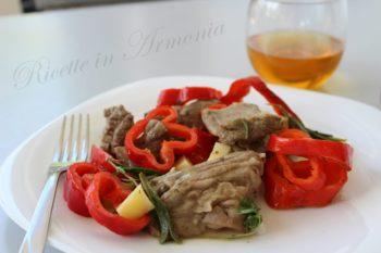 Agnello con patate e peperoni