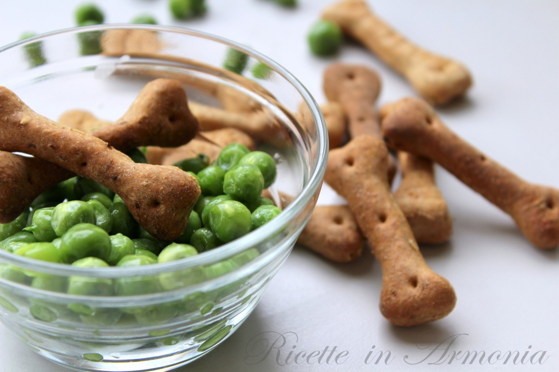 Biscotti per cani manzo e piselli
