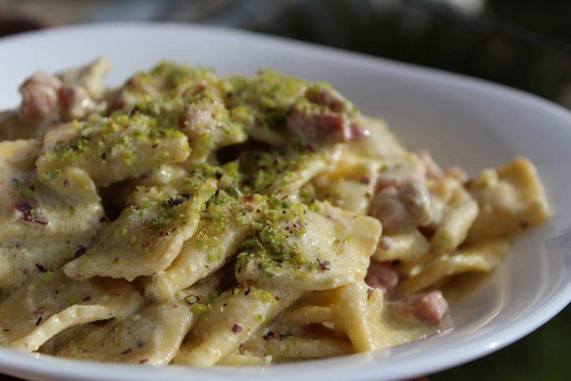 Ravioli pistacchio pancetta