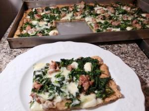 Pizza di farina integrale, ricca di fibre!