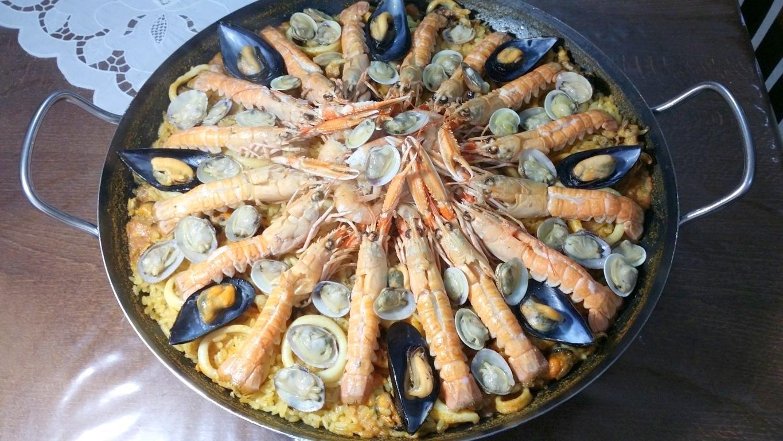 Paella di pesce senza verdure