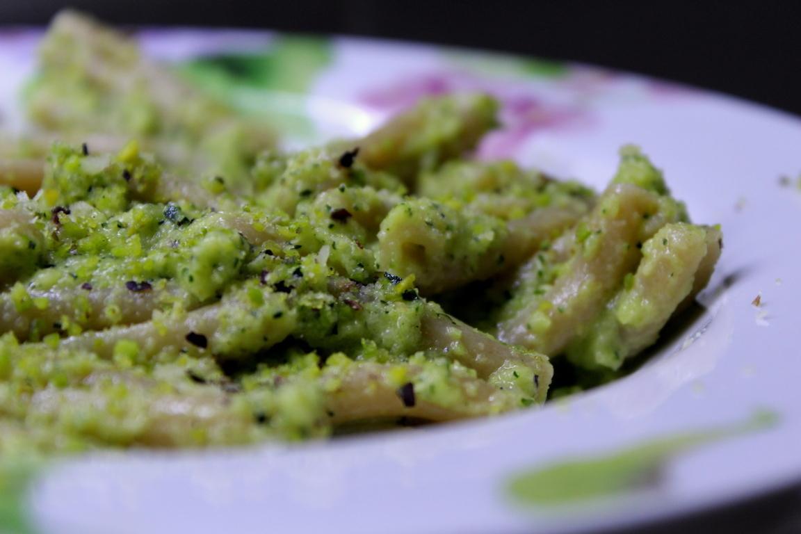 Pasta zucchine e pistacchio light