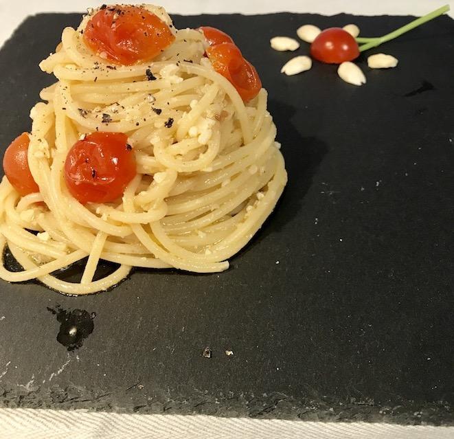 Spaghetti pomodorini e mandorle croccanti!