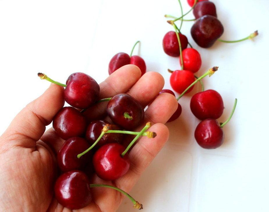 Perdi 2 chili a settimana, drenaggio intensivo con le ciliegie!