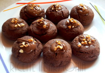 Biscotti nutellotti morbidi e ricolmi di nutella