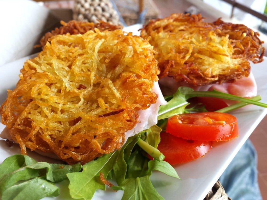 Rosti di patate, contorno o antipasto di ispirazione Svizzera
