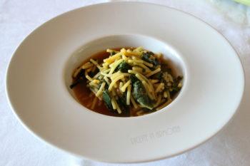 Pasta con i tenerumi o tenerezze di zucchina