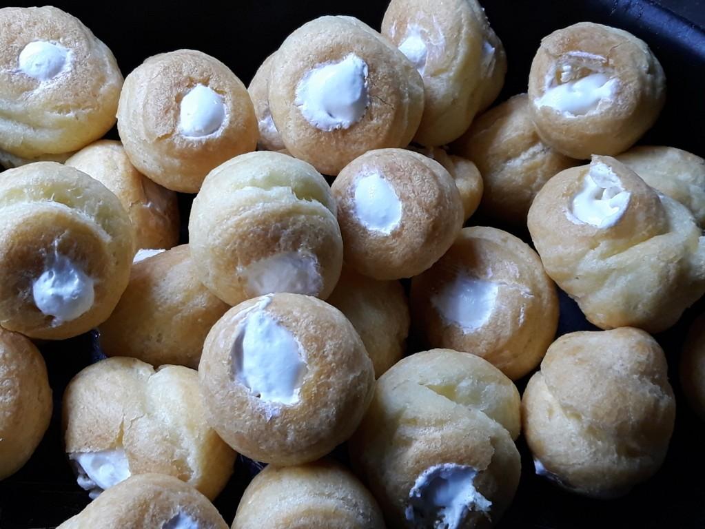 Profitteroles panna e nutella - Bagno nella nutella ...