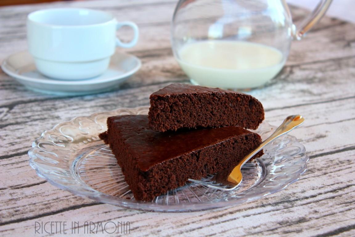 Torta brasiliana al cioccolato senza olio burro uova