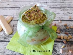 Tiramisù con ricotta e pistacchio