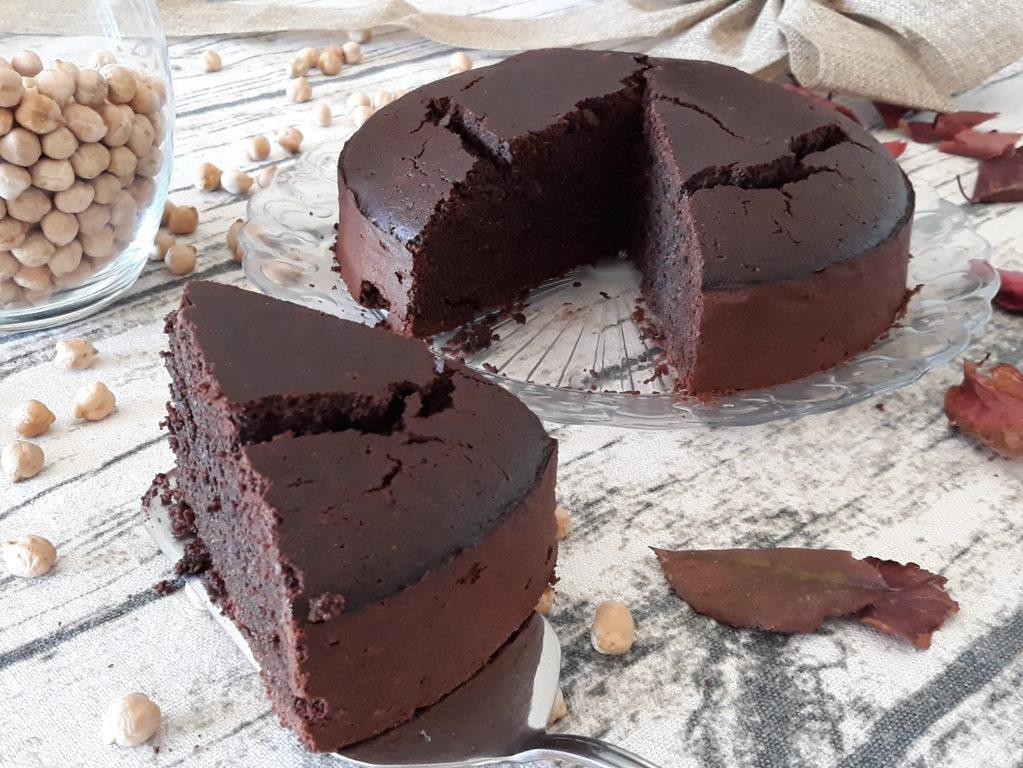 Torta di ceci al cacao senza farina