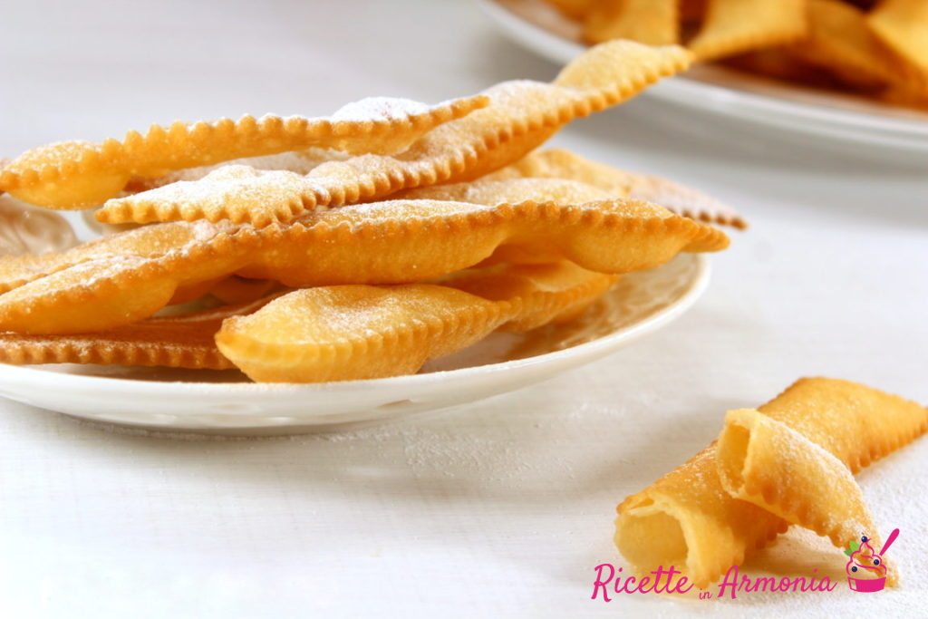 Chiacchiere con 2 ingredienti pannose