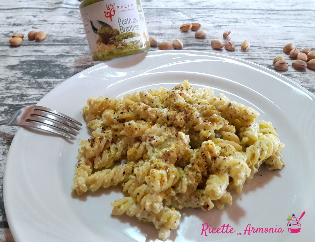 Pasta pancetta ricotta e pistacchio