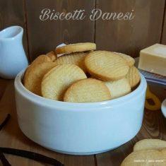 Biscotti danesi al burro e vaniglia