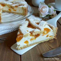 Crostata di albicocche e crema di ricotta