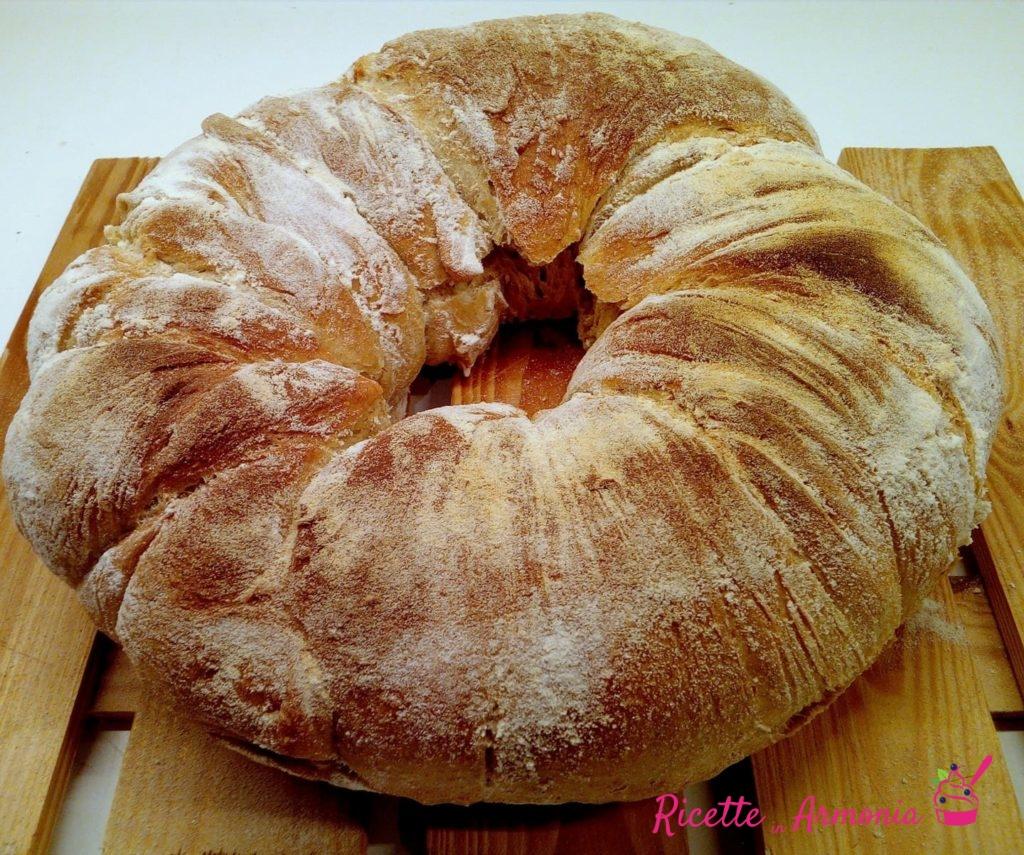 Tortano di pane semintegrale