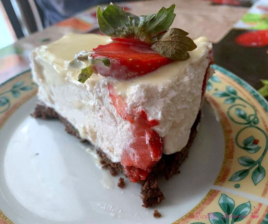 Cheesecake fragole e cioccolato bianco